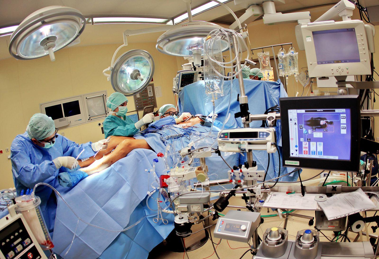 Gesundheit / Operation / Krankenhaus / Universitätsklinik
