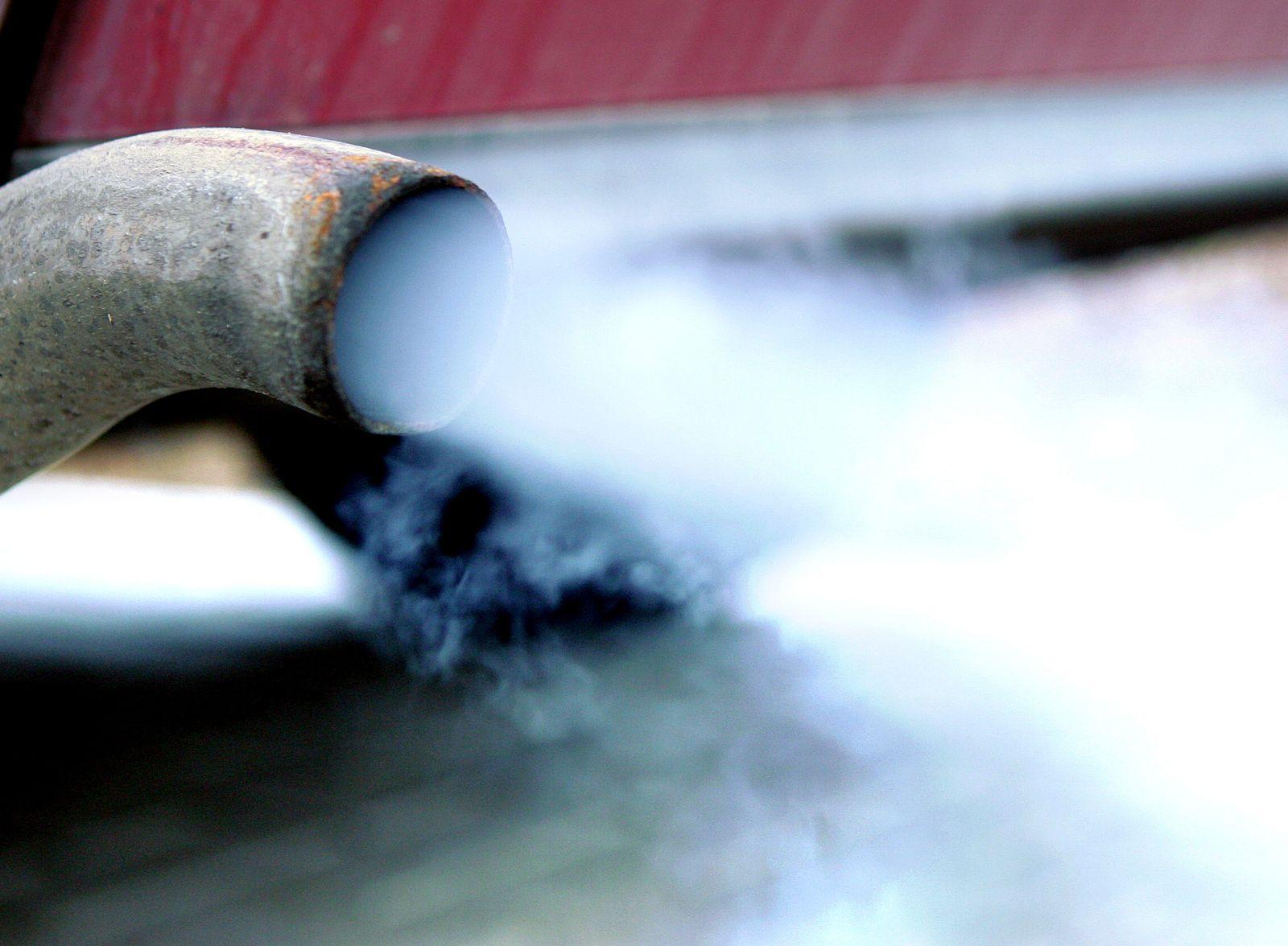 NICHT VERWENDEN Auspuff / Autoabgase