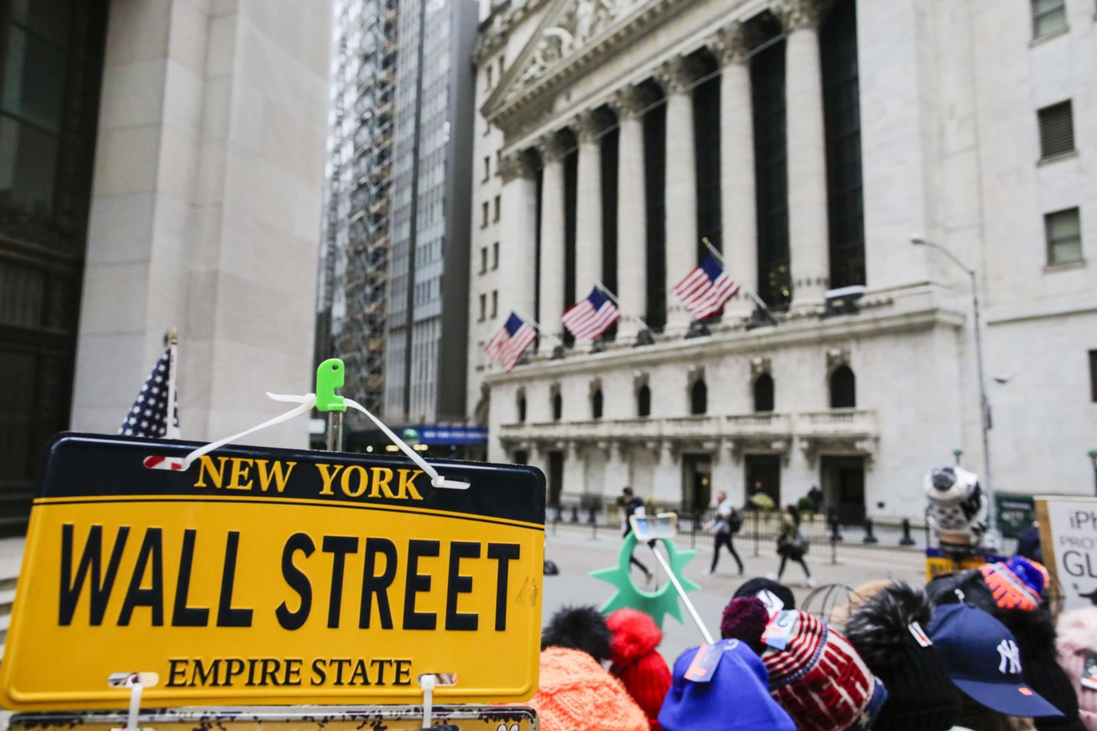 US-DOW-PLUNGES-OVER-400-POINTS-ON-NEWS-OF-NEW-STEEL-AND-ALUMINUM