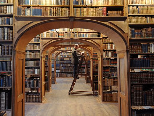 Bibliothek der Wissenschaften: Gebildete Menschen finden immer wieder neue Anknüpfungspunkte für Gespräche