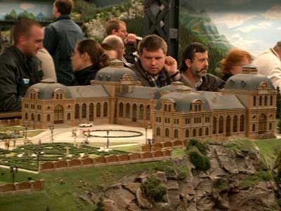 Traumschloss: Erstellt aus drei Modellen des Baden-Badener Bahnhofs