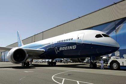 Leichter, kleiner, weiter: Der Boeing 787 steht für ein anderes Geschäftsmodell - bringt aber ebenfalls Probleme