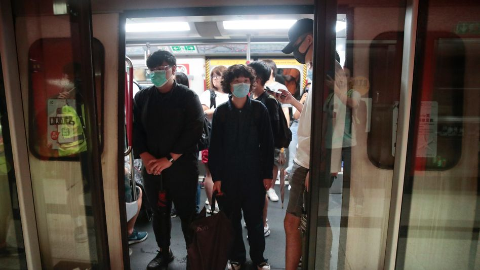 Hongkong: Demonstranten stören morgendlichen Berufsverkehr