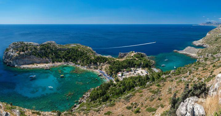 Extrem viele Sonnentage pro Jahr, malerische Buchten, klares Wasser: Rhodos