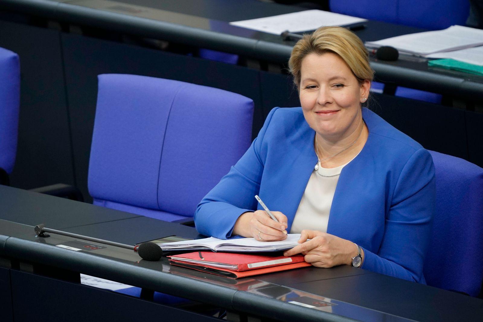173. Bundestagssitzung am 10.09.2020 in Berlin Aktuell, 10.09.2020, Berlin Franziska Giffey die Bundesministerin fuer F