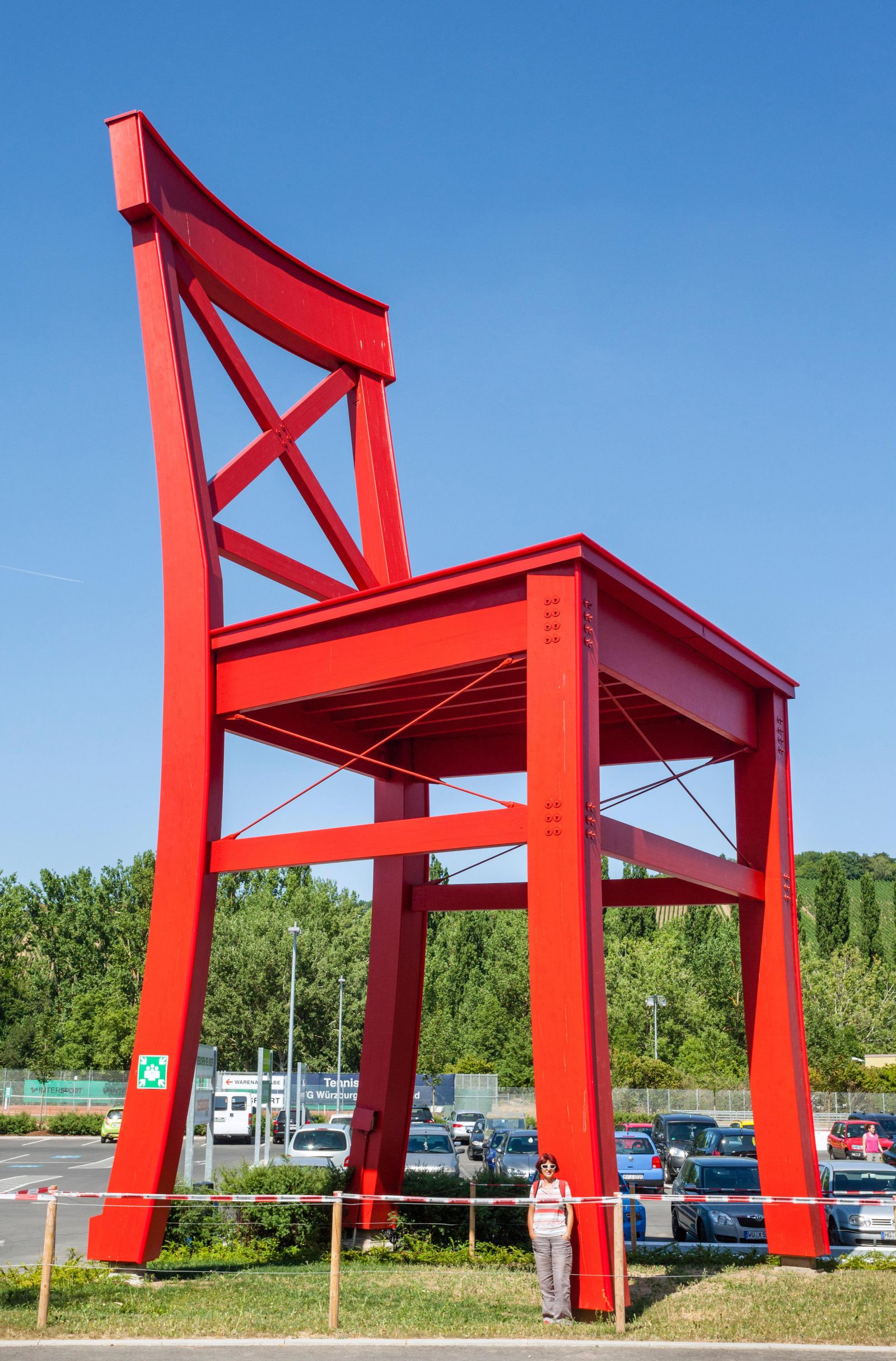 giant red chair, a marketing gimmick of a furniture warehouse, Heidingsfeld near Würzburg, Lower Franconia, Bavaria, Germany
