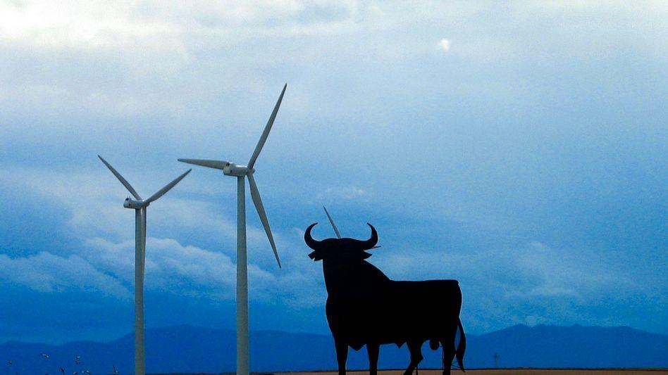 Windkraftanlagen bei Saragossa: Spanien ist neben Dänemark und Deutschland in Europa Vorreiter bei der Windenergie