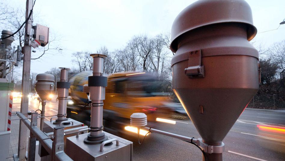 Luft-Messstation für Feinstaub und Stickoxide: Schon überhöhte Werte an einzelnen Messstationen gelten nach einem Urteil des Europäischen Gerichtshofes als Verstoß