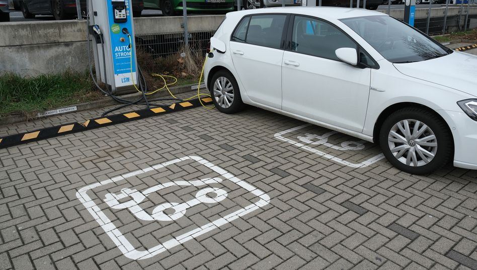 E-Golf an der Ladestation