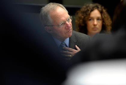 Im Krankenhaus: Bundesfinanzminister Schäuble kann nicht am EU-Finanzministertreffen teilnehmen