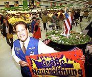 Wal-Mart: Der amerikanische Marktneuling will Aldi und Co. mit Service und Billigpreisen bezwingen