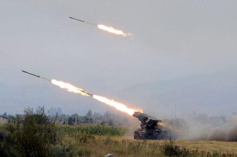 Krieg im Kaukasus: Georgische Truppen feuern Raketen auf Ziele in Südossetien
