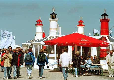 Kurpromenade von Westerland: 5,5 Millionen Fahrgäste kommen jährlich mit der Bahn nach Sylt