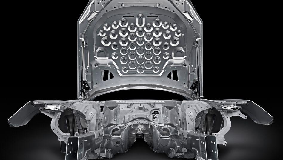 Leichtbau mit viel Aluminium: Die Rohkarosserie der Mercedes-SL-Neuauflage