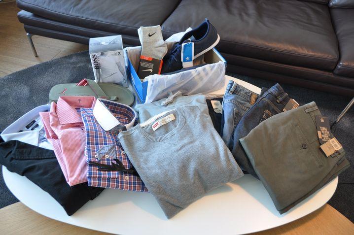 Kleiderpaket: Der Online-Stilberater sucht die Sachen aus, der Addressat packt sie aus