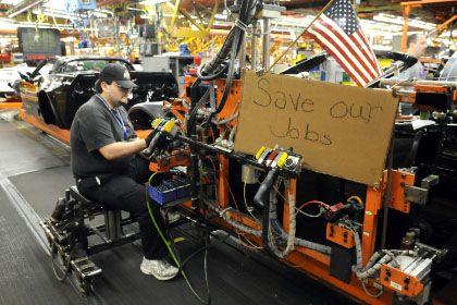 Zukunft ungewiss: GM existiert, weil die US-Regierung den Konzern am Leben erhält. Dafür wird sich GM aber von Konzernteilen trennen müssen