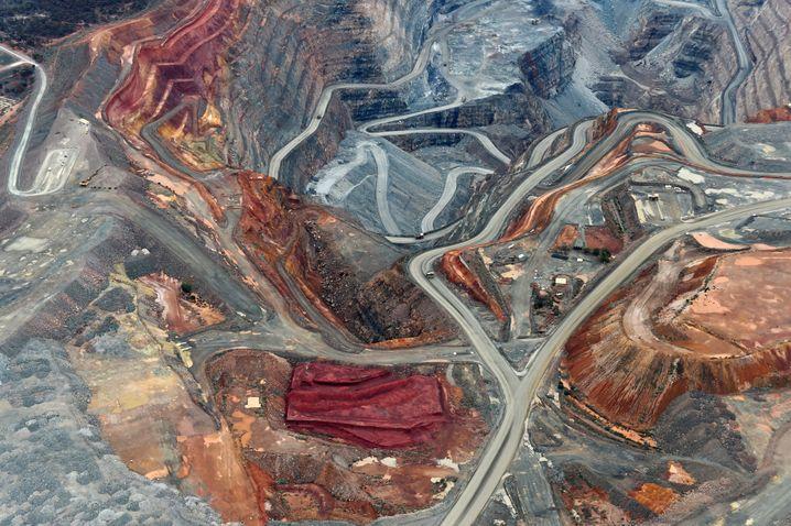 """Wer anderen eine Grube gräbt: die """"Superpit"""" in Australien."""