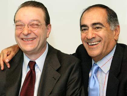Oswald Grübel (li.) und John Mack Co-CEOs Credit SuisseHinweis: Mack ist im Juli 2004 im Streit um die CS-Strategie abgetreten Gesamtbezüge 2003 pro Person: 15,54 Mio. Euro (Platz 1 im Stoxx) Wertschaffung: 40,8 Prozent* * Durchschnitt im Stoxx: 13,8 Prozent