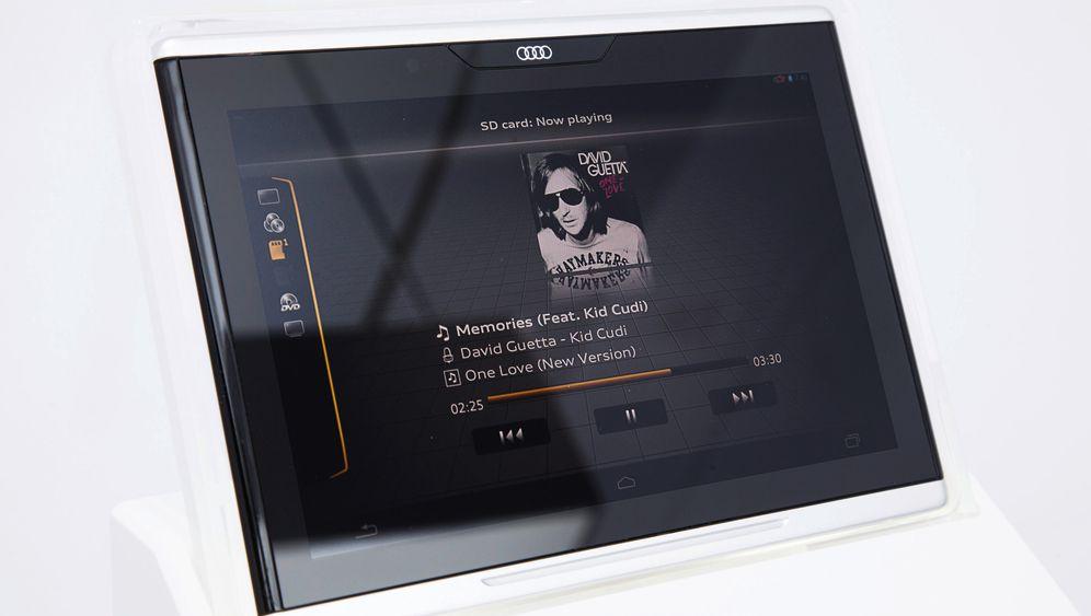 Tablet statt Tasten: Externe Kommandozentrale im Auto
