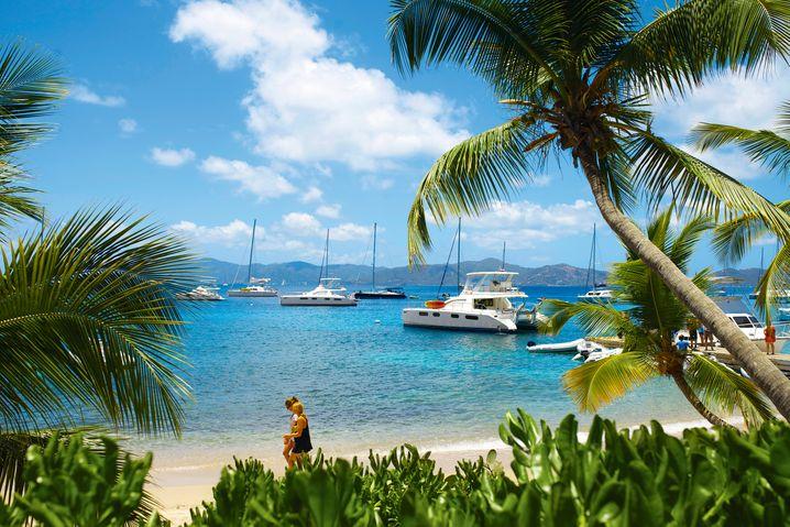 Das Paradies hat einen Namen: Der Blick vom Cooper-Island-Beach-Club auf die BVI-Hauptinsel Tortola