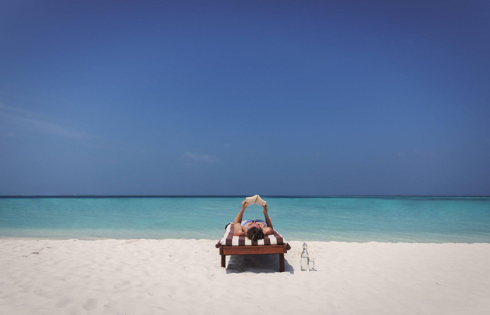 EINMALIGE VERWENDUNG Urlaub am Strand / Liegestuhl / Relaxen