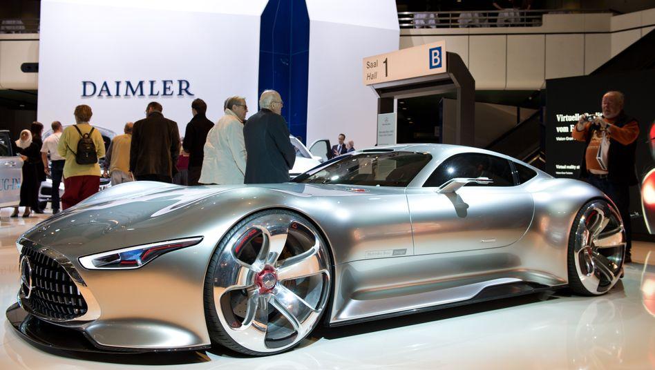 Beliebter Arbeitgeber bei Ökonomen und Ingenieuren: Daimler ist im Absolventenbarometer des trendence-Instituts der Aufsteiger des Jahres. Doch Gesamtsieger des Rankings ist Konkurrent BMW