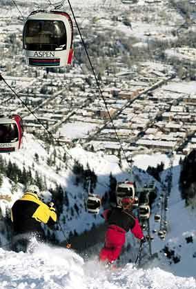 Silver Queen Gondola: Die Bergbahn fährt auf den Berg Ajax