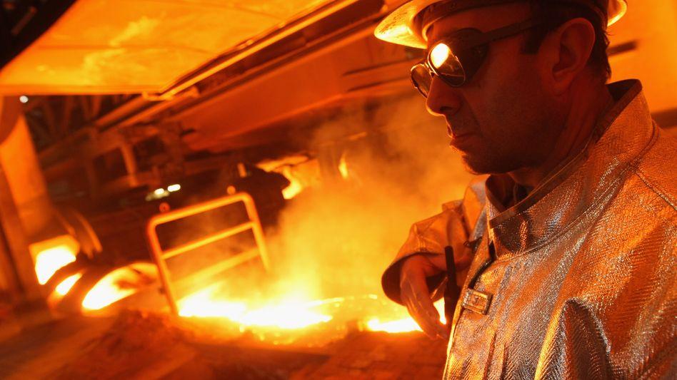 Stahlkocher bei der Arbeit: Noch läuft die Konjunktur in Deutschland auf Hochtouren