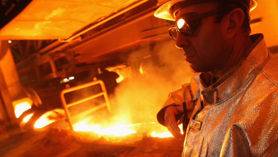 Hochofen in Duisburg: Der Weltwährungsfonds sieht steigende Risiken