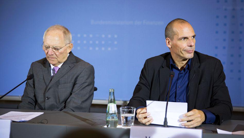 """Schäuble (mit Varoufakis): """"Mir tun die Griechen leid. Sie haben eine Regierung gewählt, die sich im Augenblick ziemlich verantwortungslos verhält."""""""