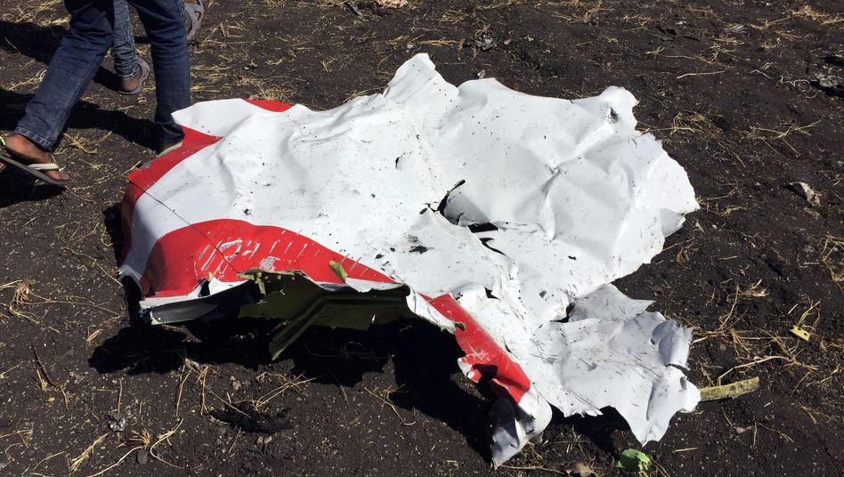 Trümmerteil: Bei dem Absturz der Maschine gab es keine Überlebenden