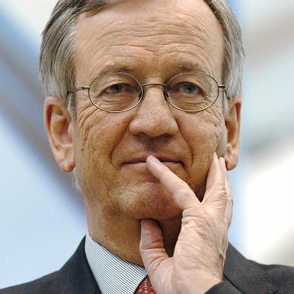 Heinrich von Pierer: Der ehemalige Siemens-Vorstandsvorsitzende bei einem Treffen mit Betriebsräten im Generatorenwerk Erfurt im April 2004