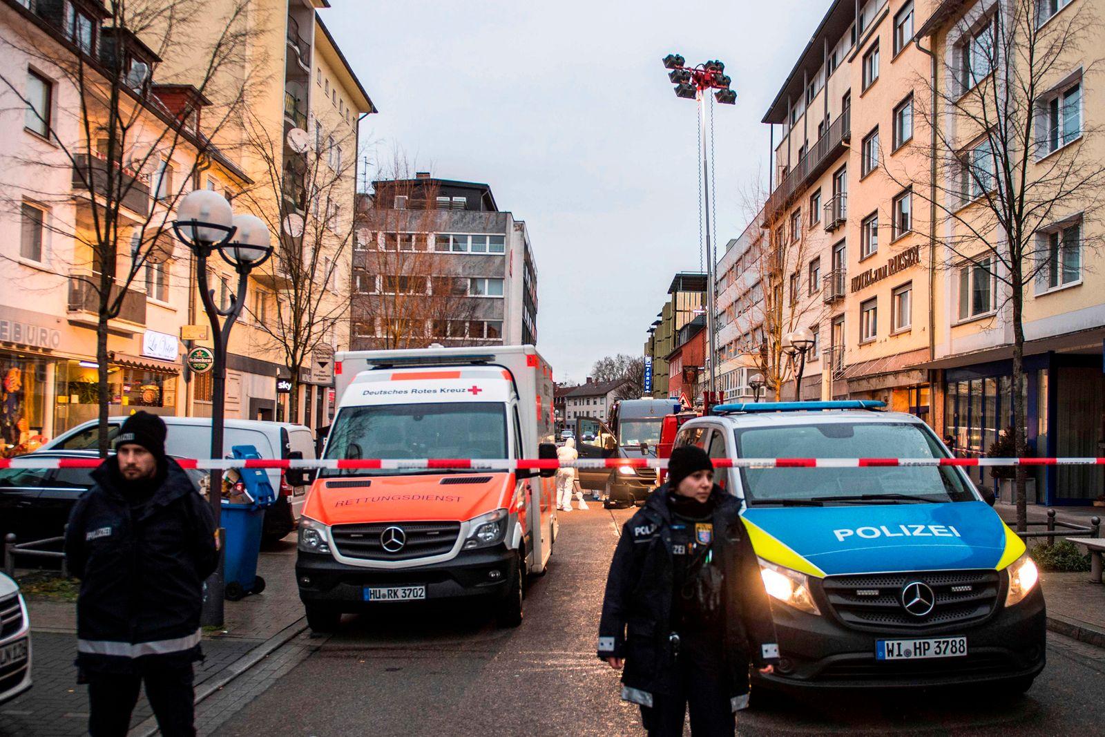 Hanau Terror-Angriff Polizei Krankenwagen