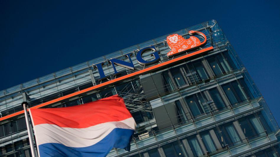 ING-Zentrale in Amsterdam: Der Gewinn des Finanzkonzerns sackte im dritten Quartal um fast zwei Drittel ab