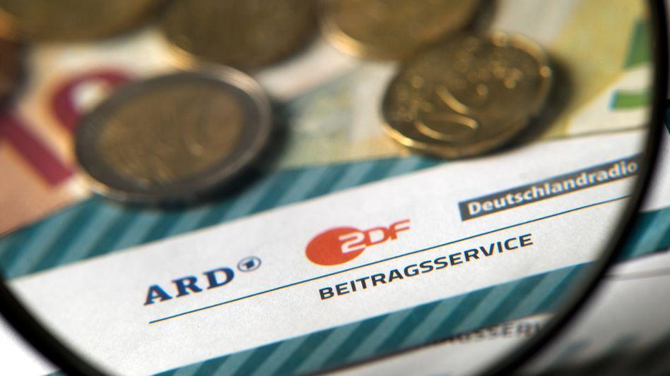 Rundfunkgebühr: Pro Haushalt werden zwangsweise 17,50 Euro pro Monat fällig - egal, ob ein Fernsehgerät vorhanden ist oder nicht