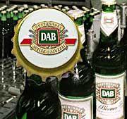 Sieger im konzerninternen Wettbewerb: Die Dortmunder Actien-Brauerei (DAB) setzt sich gegen Brinkhoffs durch