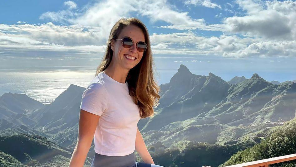Josefine Loewe, 30, reist seit zwei Jahren als digitale Nomadin um die Welt, derzeit arbeitet sie von Teneriffa aus