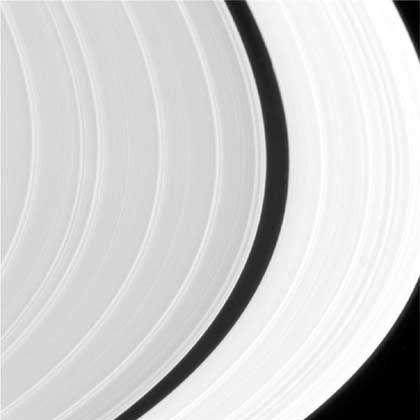 Die Sonnenseite der Saturnringe