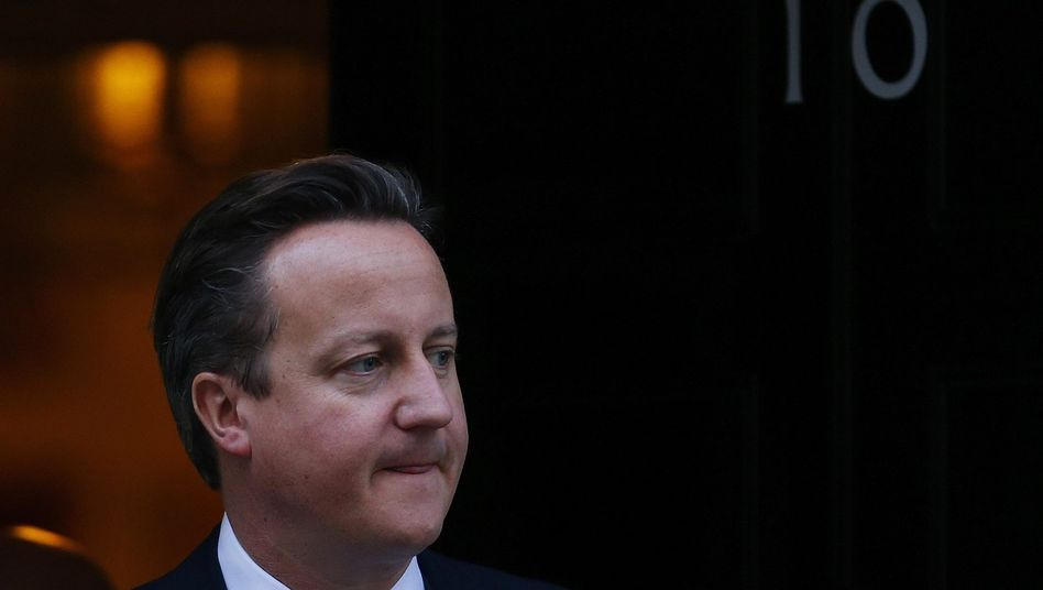 Einsamer Kampf: Briten-Premier David Cameron versucht in Europa eine Sonderrolle für sein Land zu zementieren - kein Euro-Mitglied, aber dennoch kursbestimmend. Auch für den Finanzplatz London legt er sich ins Zeug.