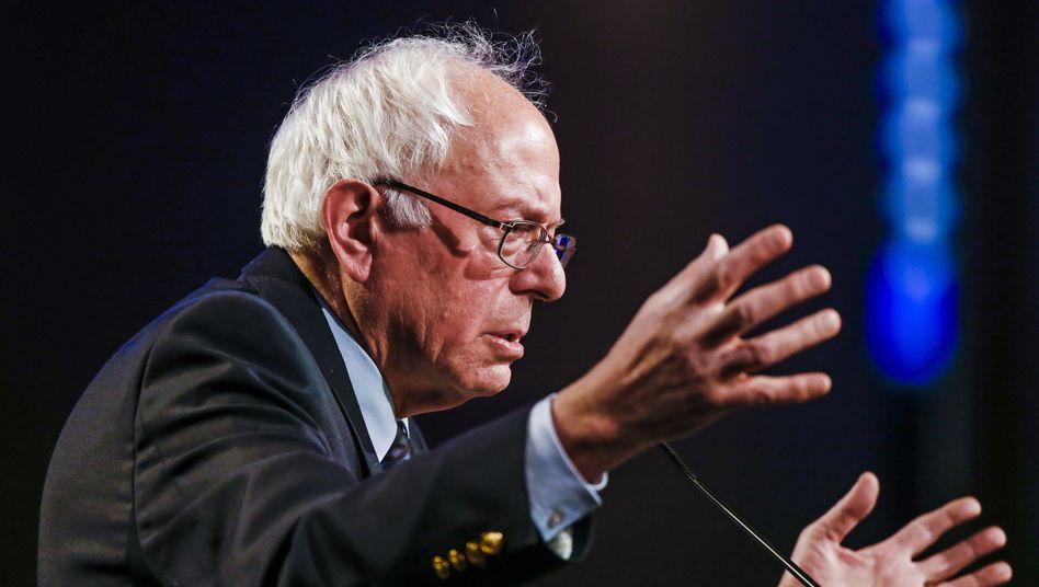 Bernie Sanders: Der Kandidat präsentiert sich im Vorwahlkampf der Demokraten als Alternative zu Hillary Clinton überraschend stark