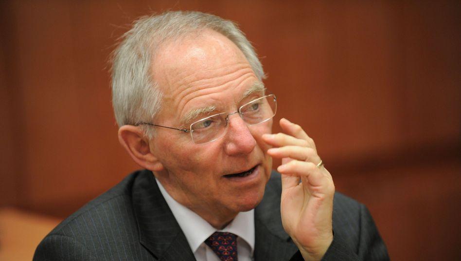 21 Milliarden mehr allein in 2012: Die Konjunktur brummt, das spült ungeahnt viel Geld in die Kassen von Bundesfinanzminister Wolfgang Schäuble
