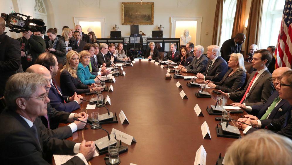 Wer saß am Tisch - und warum: Die große Übersicht über den Merkel-Trump-Roundtable
