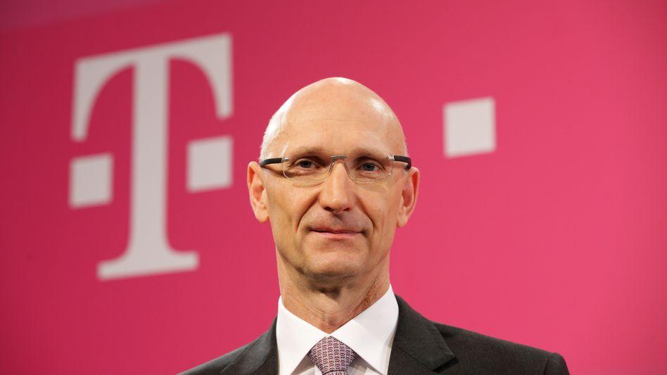 Telekom-Chef: Höttges streicht bei T-Systems massiv Stellen und teilt die Tochter in drei neue Bereiche auf