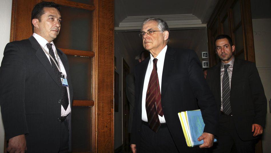 Ministerpräsident Lucas Papademos rief sein Kabinett am Samstag zu einer Sondersitzung ein