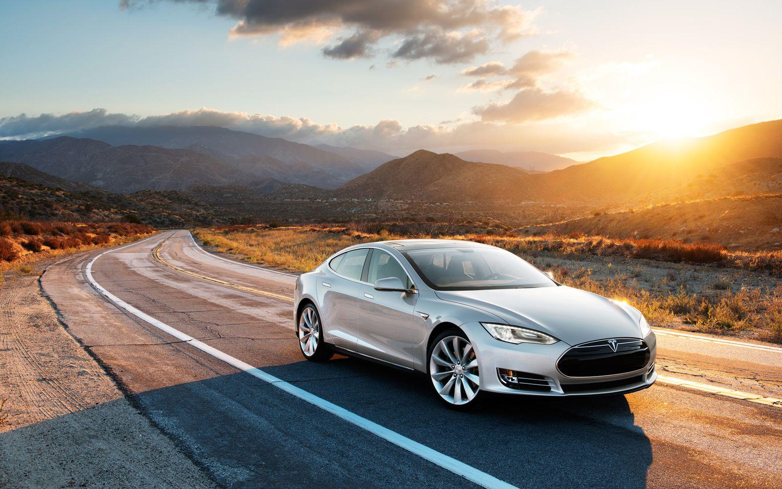 2013 / Tesla Model S