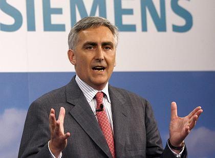 Lässt die Bücher prüfen:Siemens-Chef Löscher