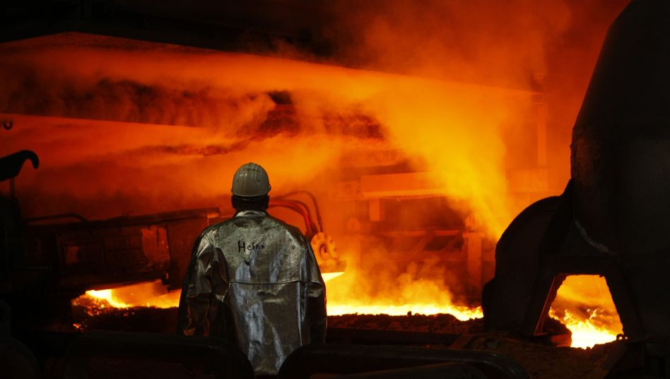Heißer Job: Stahlarbeiter bei ThyssenKrupp