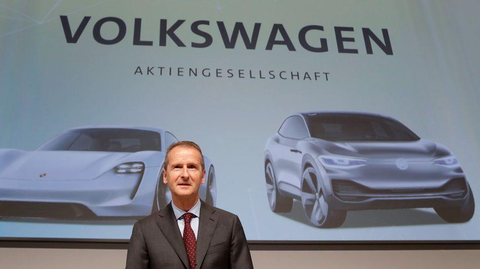 "VW-Chef Herbert Diess bei der Hauptversammlung in Berlin: ""Belastbare Zukunftsperspektiven finden"""