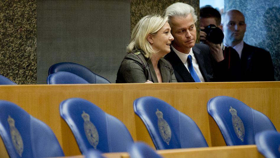 Rechtspopulisten: Geert Wilders (2.v.l.) und Marine Le Pen
