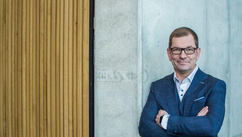 Der neue Audi-Chef Markus Duesmann setzt hohe Ziele: Schon im kommenden Jahr will der neue Audi-Chef wieder einen Milliardengewinn abliefern und die Umsatzrendite auf 7,2 Prozent heben - trotz. Corona.